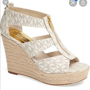 Michael Kors Shoes - Mk heels